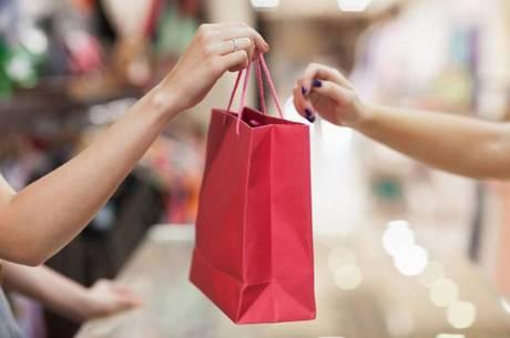 Intenção de consumo das famílias recuou em setembro